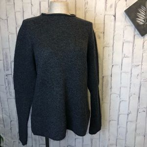 Banana Republic gray wool long sleeves sweater
